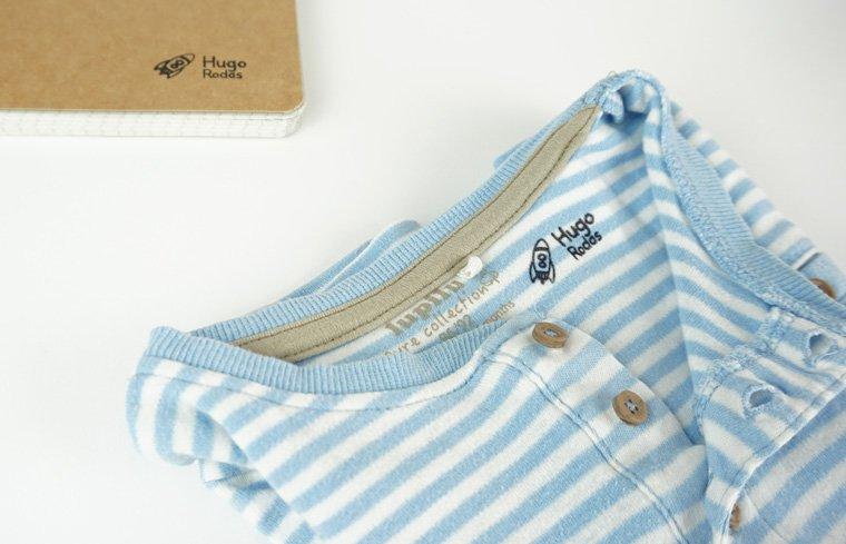 Etiquetar la ropa y todas las cosas de la guardería. Opción sellos de goma. Ejemplo foto.