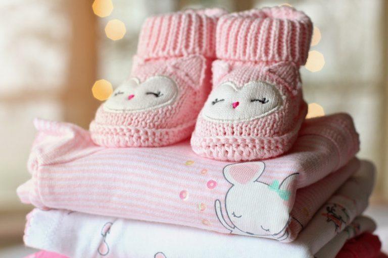Cómo lavar y cuidar la ropa de bebé