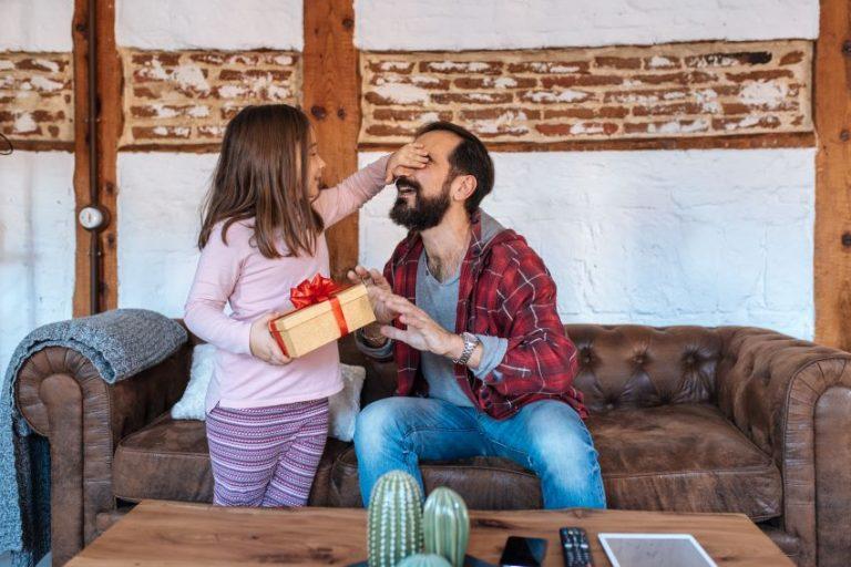Cómo hacer un regalo original para el día del padre con sellos